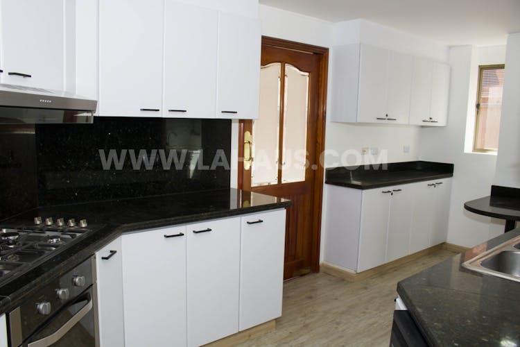 Foto 42 de Apartamento En Venta En Bogota Santa Barbara -Usaquén, Tres Alcobas, 164 mts