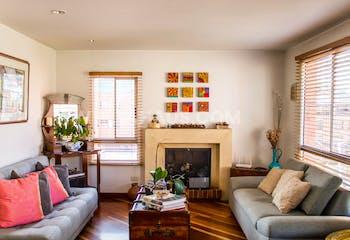 Apartamento En Venta En Santa Barbara, 3 habitaciones, balcón y chimenea.