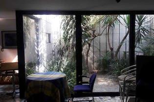 Casa en venta en San José Insurgentes, con terraza