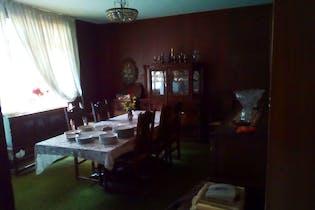 Casa en venta en Col. Acacias, 327 m² con jardín y salón de usos múltiples