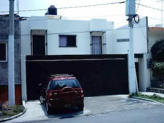 Casa tipo Duplex cerca de Six Flags.