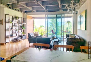 Apartamento en Las Lomas, Poblado con tres habitaciones