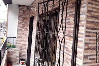 Casa en Manrique Central, Medellin - Tres alcobas