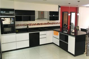 Casa en venta en Barrio Laureles de 215m²