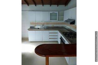 Casa en Medellin-Laureles, cuenta con 6 habitaciones.