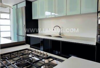Vende Apartamento San Patricio Bogota, con 3 parqueaderos