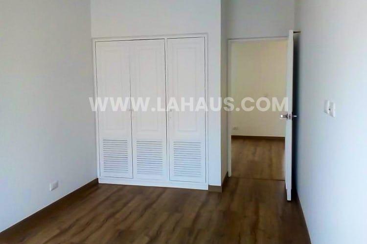 Foto 11 de Apartamento en Santa Barbara con 4 alcobas, 240 mts2