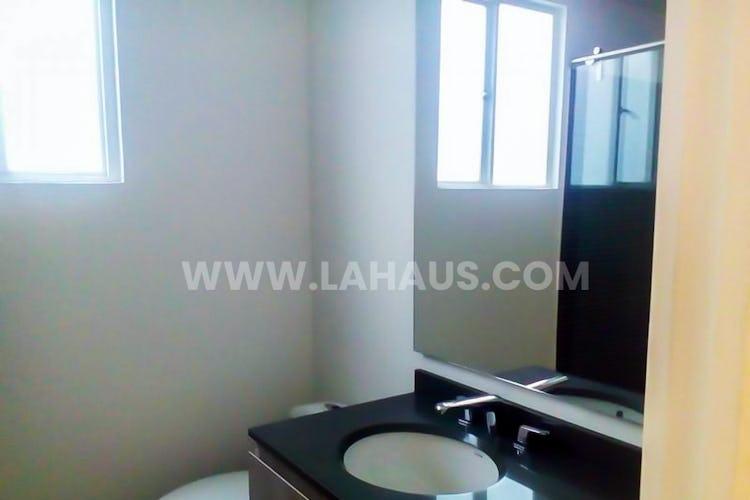 Foto 15 de Apartamento en Santa Barbara con 4 alcobas, 240 mts2