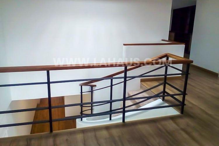 Foto 16 de Apartamento en Santa Barbara con 4 alcobas, 240 mts2