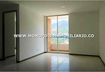 Apartamento en venta en Casco Urbano Copacabana con acceso a Piscina