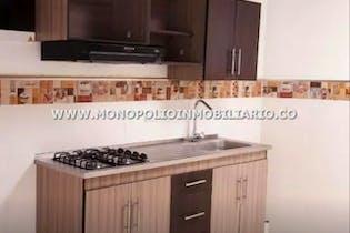 Casa en venta en Casco Urbano Caldas- 5 habitaciones.