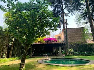 Espectacular Residencia  con uso de Suelo/ San Angel
