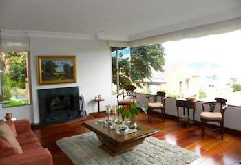 Casa En Bogota Niza Suba - 322 mts, 6 parqueaderos, 5 alcobas.