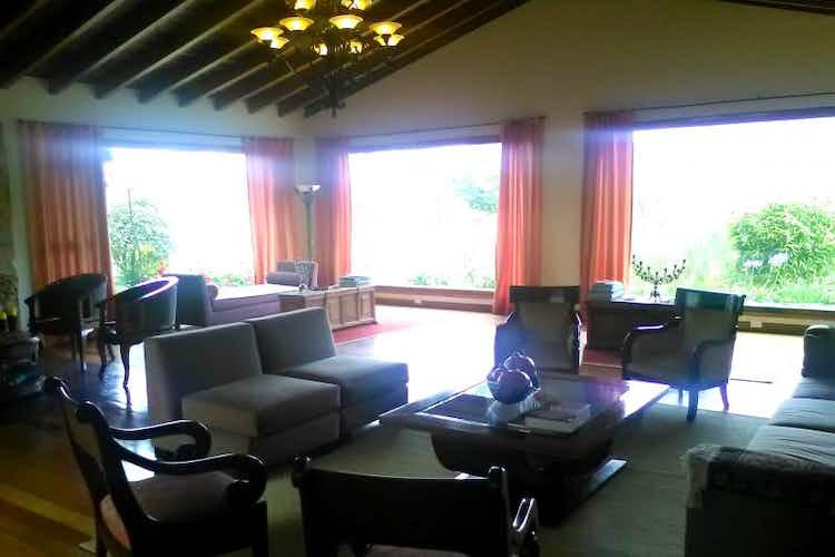 Portada Casa Campestre de 1100m2 en La Calera, La Calera - de tres niveles