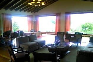 Casa Campestre de 1100m2 en La Calera, La Calera - de tres niveles