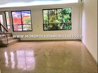 Un baño con una ventana y una ventana grande en Apartamento  duplex en El Danubio, la america - 149 mts, 1 parqueadero.