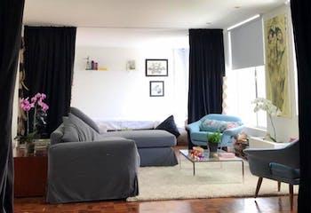 Apartamento en Bosque Calderón - Bogotá, con una habitación y dos baños.