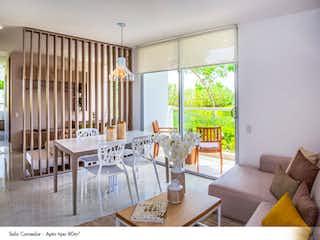 Una sala de estar llena de muebles y una ventana en TORRECHIARA