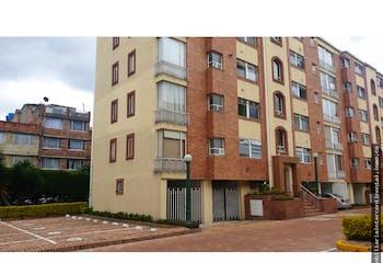 Apartamento en Mirandela - Bogota, con 2 garajes y tres habitaciones