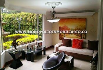 Casa Unifamiliar en Pontevedra, Envigado - Tres niveles