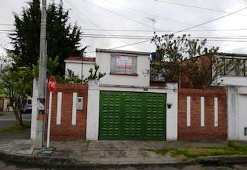 Casa en venta en Villa Claudia 237m²