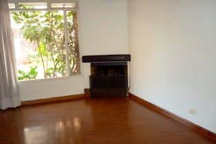 Casa en Cedritos, Caobos Salazar de tres pisos