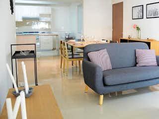 Una sala de estar llena de muebles y una televisión de pantalla plana en Amores 219