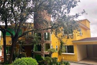 Hermosa Residencia Mexicana Comtemporanea en Venta en Sayavedra