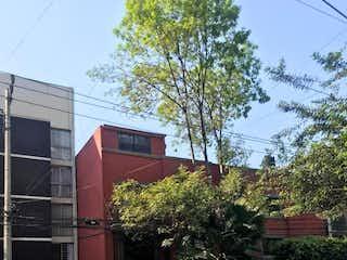 Casa independiente en condominio