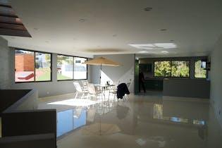 Casa en venta en Lomas De La Hacienda de 4 recámaras