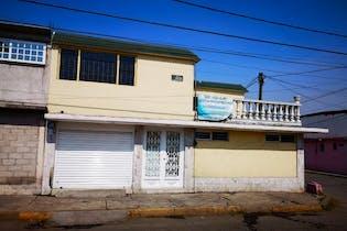 Casa en venta en villas de las flores 2da sección, Con 5 Recamaras-309mt2