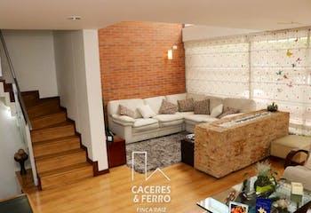 Casa En Barrio Colina Campestre, Colina Campestre, 4 Habitaciones-225m2.