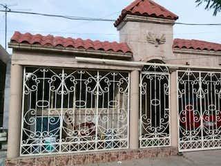 Casa en venta en Mitras Centro de 3 hab.
