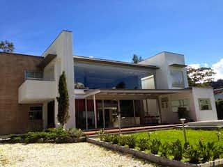 Casa en venta en Loma Del Escobero de 4 habitaciones