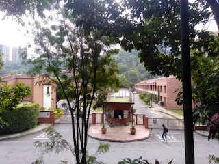 En Venta Casa en Camino Verde, Envigado, Antioquia.