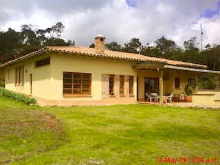 Finca en Envigado, Casa en venta en Acuarela de 5 alcoba