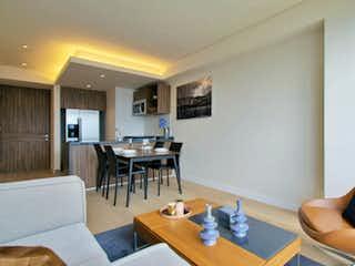 Una sala de estar llena de muebles y una mesa en STAMPA Residencial