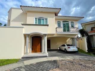Hermosa Casa en Puerta de Hierro Andares 400 mts 3Rec
