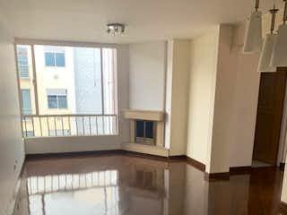 Apartamento en venta en La Alhambra, 110mt duplex