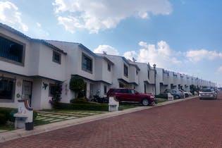Venta excelente casa en condominio en Av. Hidalgo, Col. Lomas de Guadalupe