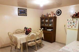 Casa en venta en Lomas de Zaragoza de 243mts, tres niveles