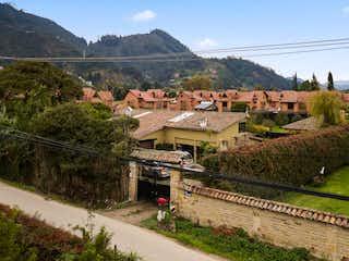 Casa en venta en Cerca De Piedra de 380m² con Bbq...