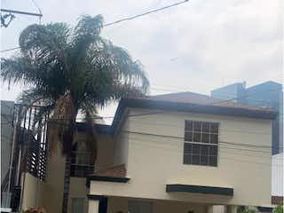 Casa en venta en Lomas Del Paseo de 212m² con Jardín...