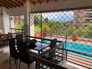Apartamento en venta en El Tesoro de 5 hab. con Bbq...