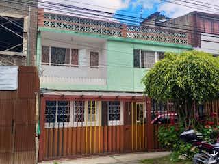 Vendo Casa de 2 Pisos en El Encanto Villa Luz, Engativá, Bogotá