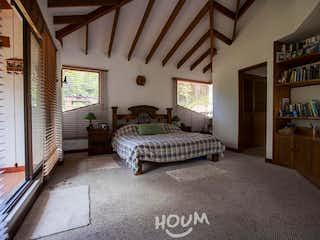 Casa en Gratamira, Niza. 3.0 habitaciones. 374.0 m2