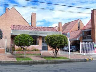 108360 - Casa Totalmente Reformada En Conjunto Con Amplias Zonas Verdes.