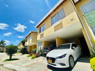 Casa en venta en Suramericana con Piscina...
