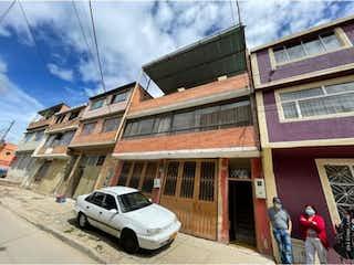 Casa en venta en El Tesoro, 220m²