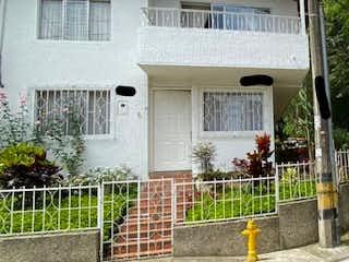 Casa en venta en El Trianón con acceso a Balcón